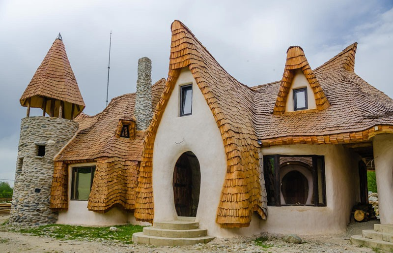 romanian-fairy-tale-lodge-designrulz-6