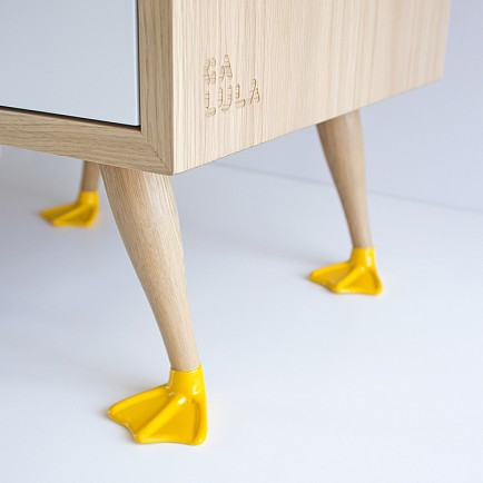 sq_Galula_Tio_endtable_detail_feet