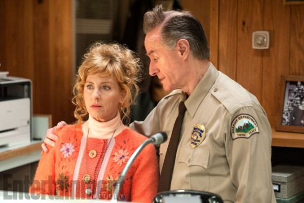 twin-peaks-season-3-images-ew-1-600x400