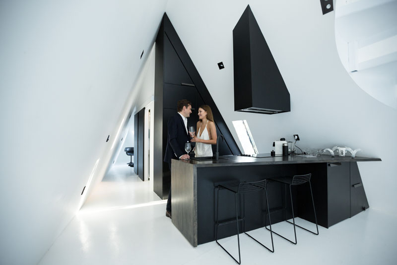 modern-cabin-black-kitchen-190417-1224-05
