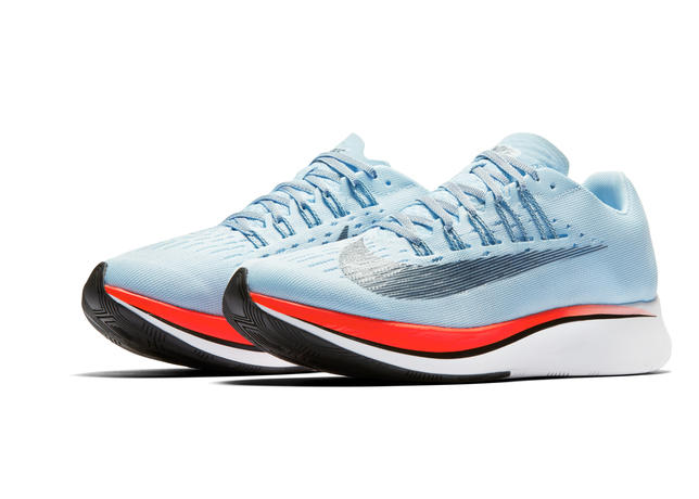 Zoom-Fly_womens1_67111