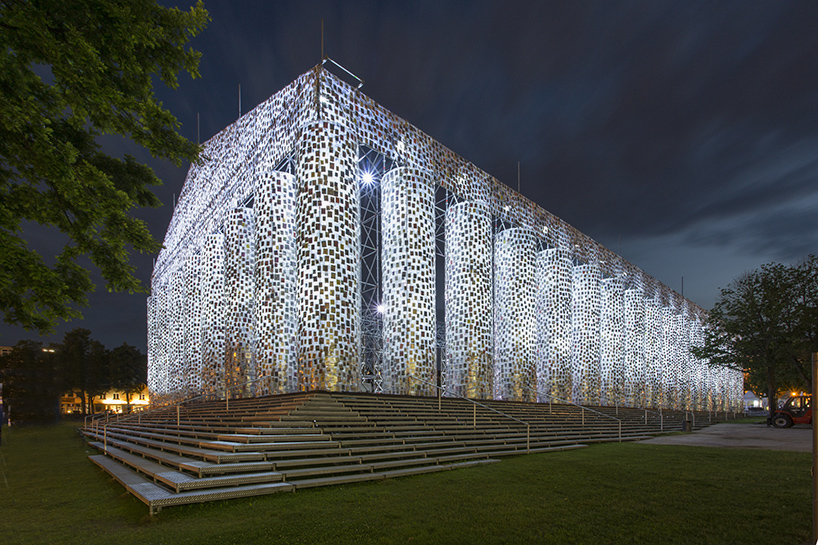 marta-minujin-the-parthenon-of-books-documenta-14-designboom-05